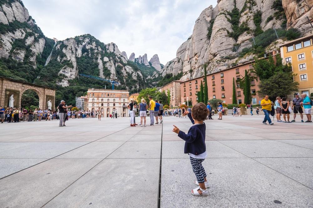 Todo lo debes saber para visitar el Monasterio de Montserrat desde Barcelona en un día