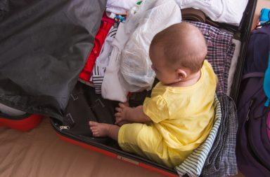 maleta para viajar con niños