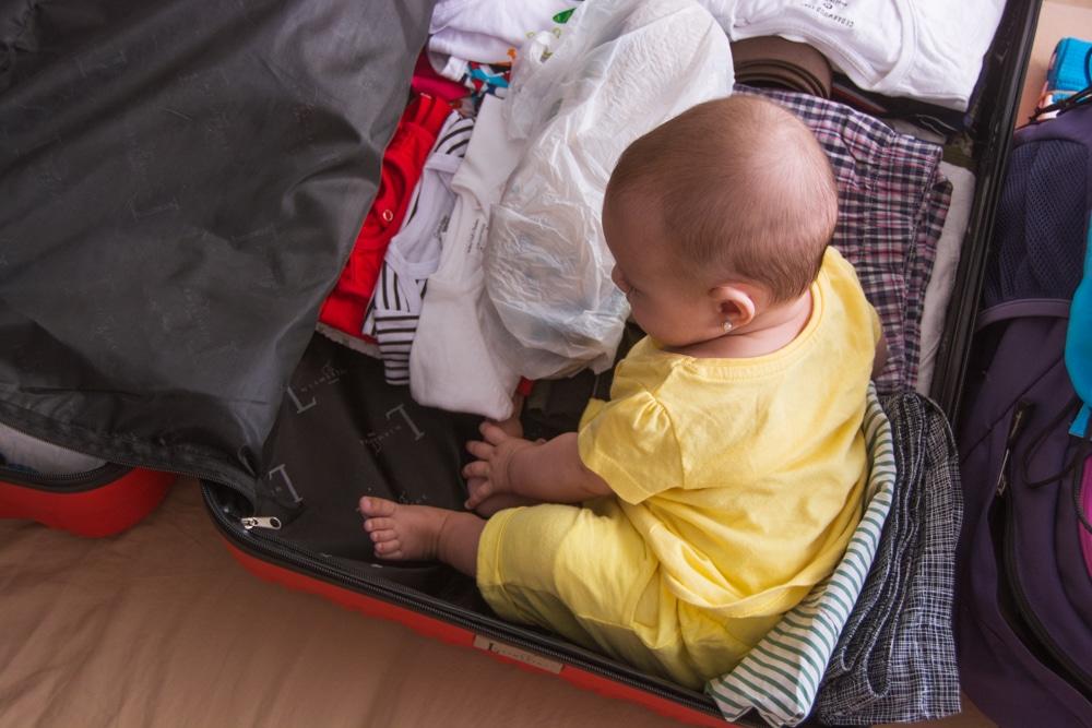 Trucos y consejos para preparar la maleta de los pequeños viajeros