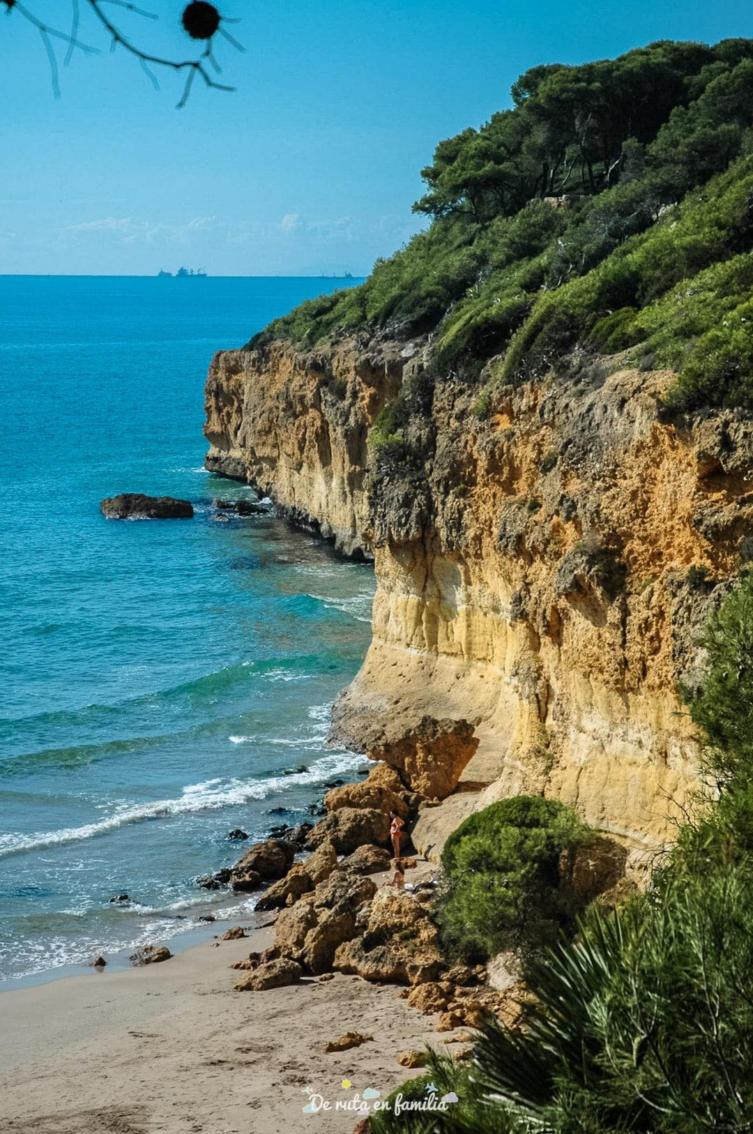 las mejores playas de tarragona waikiki