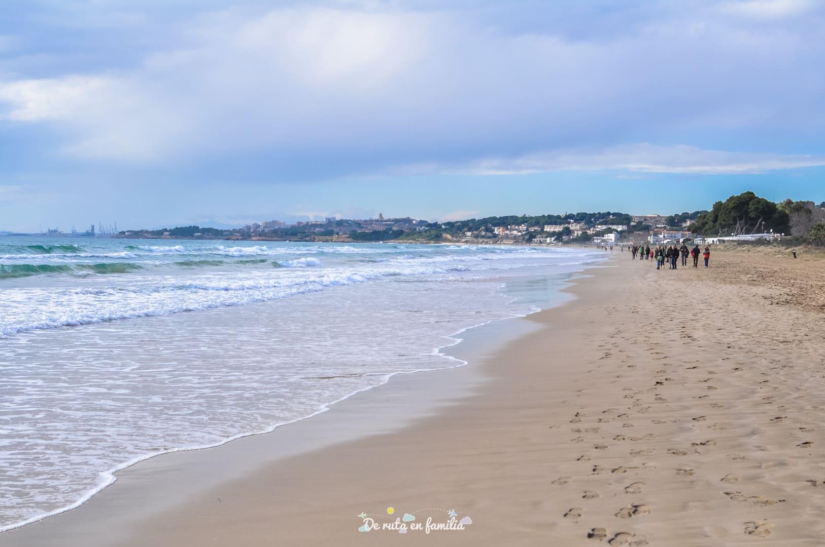 las mejores playas de tarragona playa larga