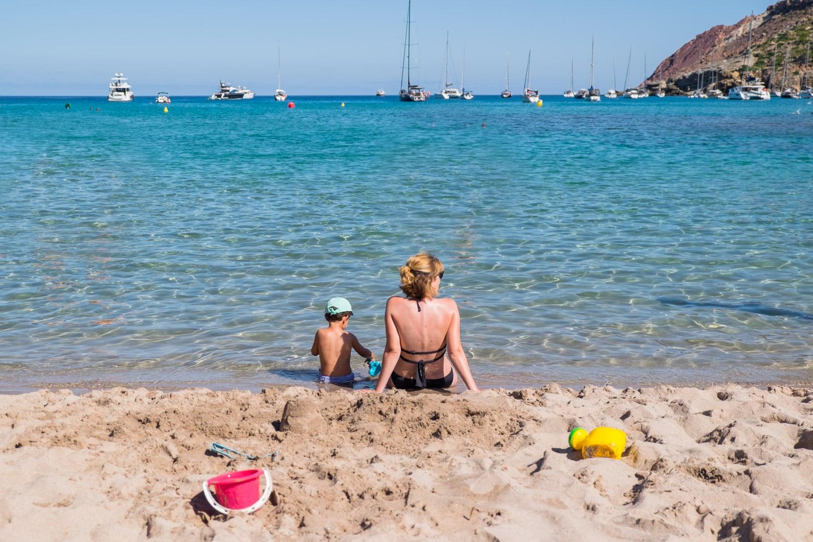 viajar con niños este verano a menorca