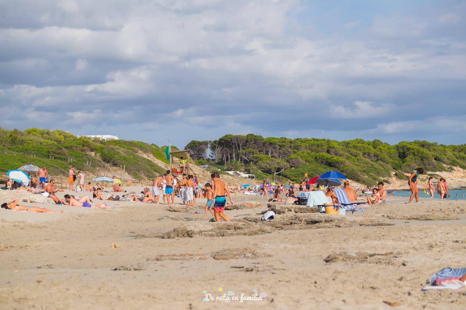 playas de menorca con niños