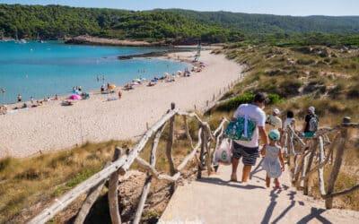 Las playas de Menorca más bonitas y accesibles para ir con niños