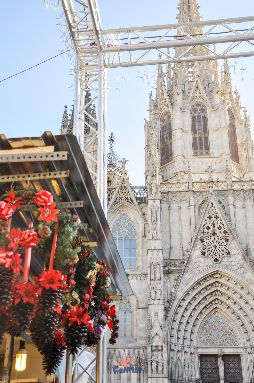Navidad en Cataluña. Feria de Santa Lucía en Barcelona